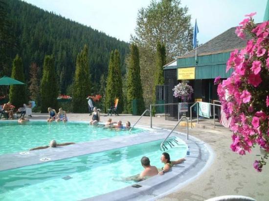 Nakusp Hot Springs: hot spring pool