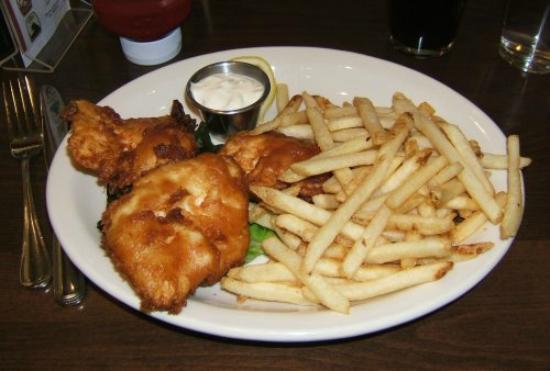 Fishtale Bar & Grill: fish and chips
