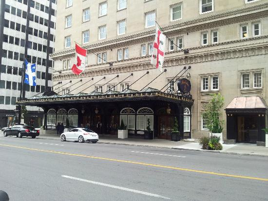 The Ritz-Carlton, Montreal : View from the street