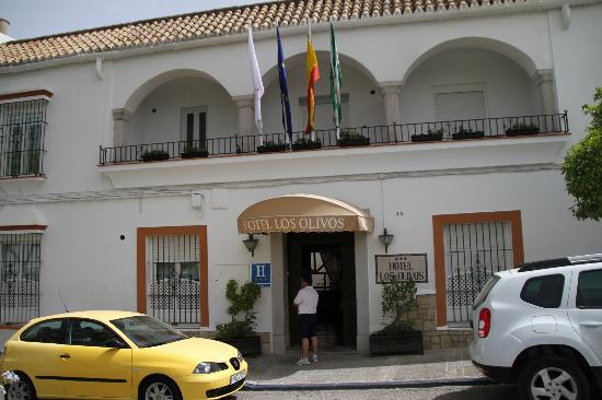 Hotel Los Olivos: ホテルへの入口