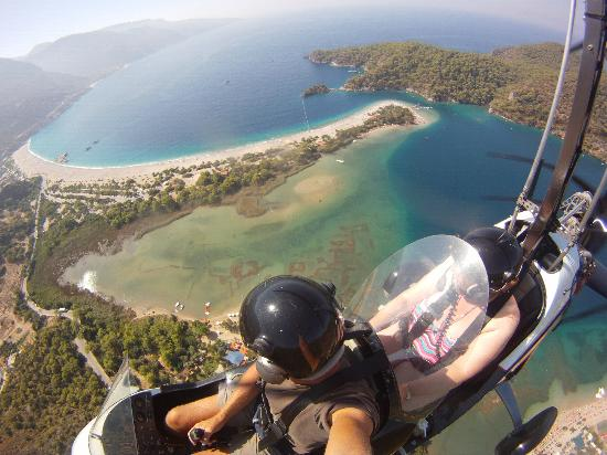 Heliworx Gyrocopter Flights- Day Tours: Blu lagoon
