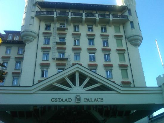 Gstaad Palace Hotel: Front of hotel