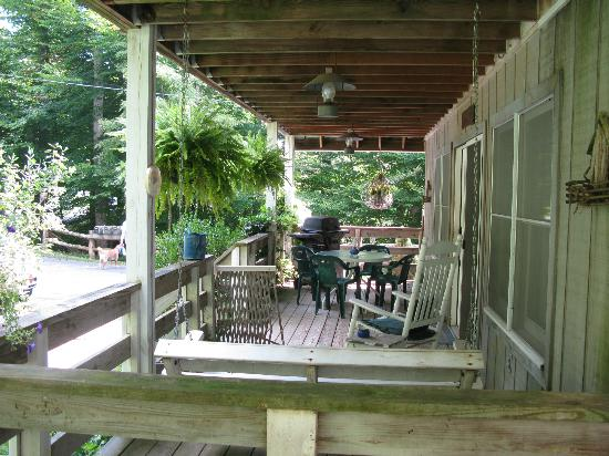 Ox Glen Vacation Rentals: Porch of Coach House 1- It was so pretty!