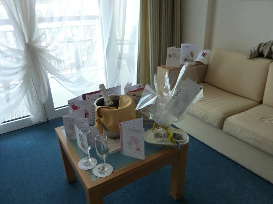 IBEROSTAR Sunny Beach Resort: Champagne in our room