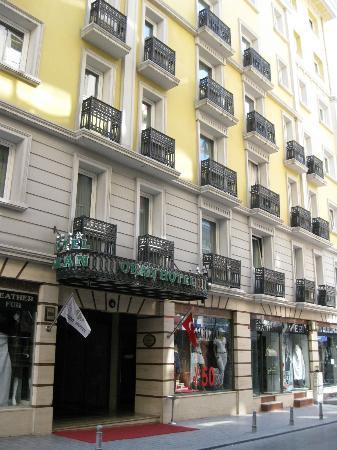 Oran Hotel: Frente del hotel