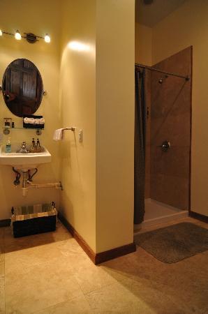 Chi Spa: Restroom