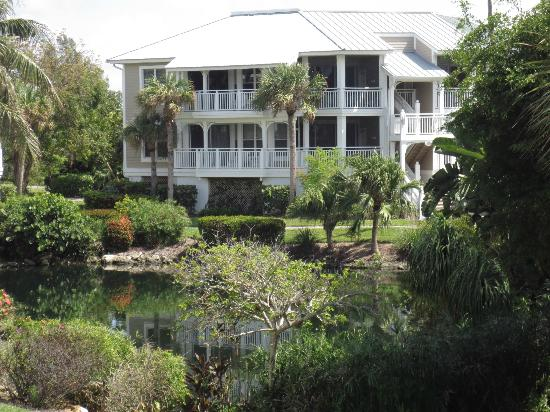 Sanibel Cottages Resort: One of the Cottages