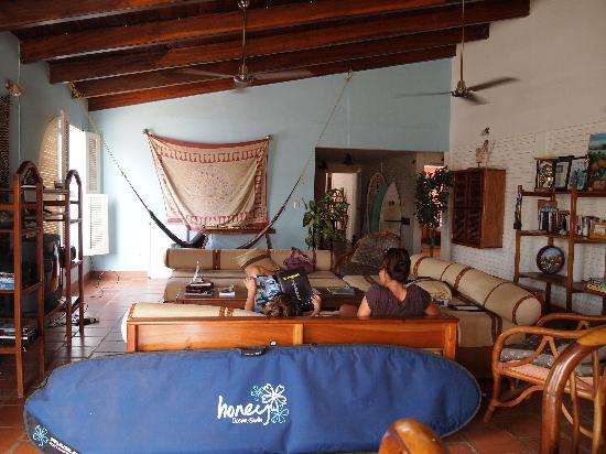 CHICABRAVA Surf Camp: Chillin' in the surf house