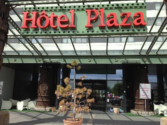 Plaza Site du Futuroscope Hotel: Entrée de l hotel