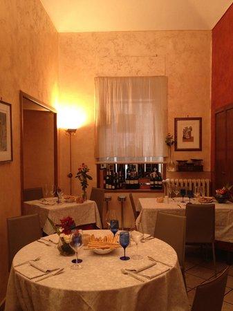 Saletta foto di la porta rossa restaurant torino - Ristorante porta di po torino ...