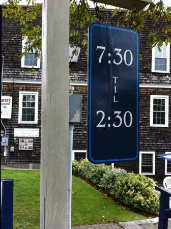Blue Moon Cafe: Hours