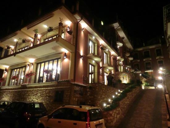 Hotel  Agostiniana: notturno