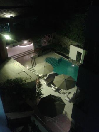 Hotel & Spa Golf Los Incas: Swimming pool @ nite