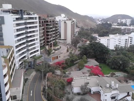 Los Incas Lima Hotel: Excellent view of the Golp course and Lima