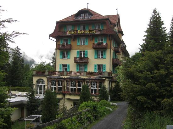 Hotel Belvedere: the outside