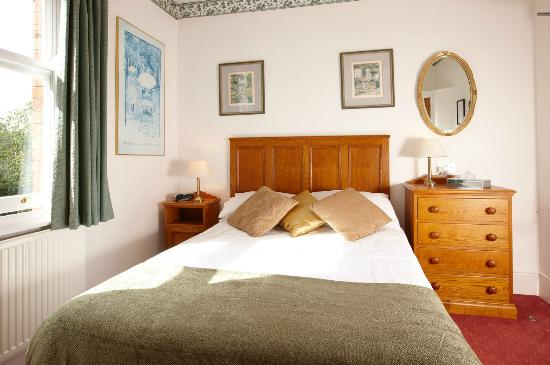 Banbury Cross Bed & Breakfast: Room 7 - single en-suite