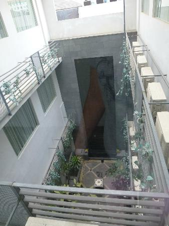 Cemara Hotel: View from 5th Floor to the hotel garden @ 3rd floor