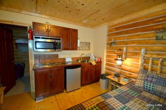 Lure Me Inn: Inside cabin # 4