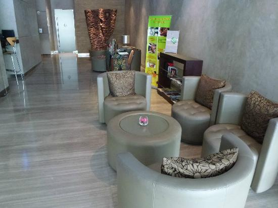 Cemara Hotel: The Lobby waiting area