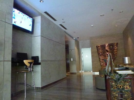 Cemara Hotel: The Lobby