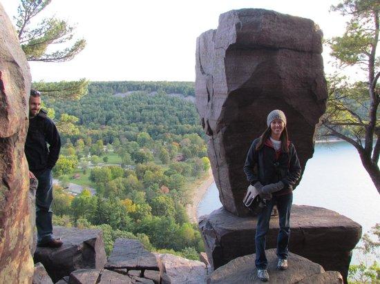 Balanced Rock Trail : Balanced Rock