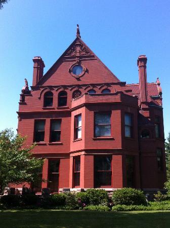 Allentown: Architecture