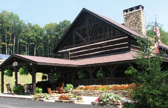 Savage River Lodge: The main Lodge at SRL