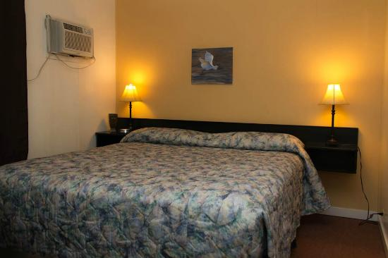 Creston Valley Motel: you'll like the way you sleep