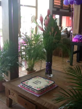 Mayoka Boutique Hotel: Delicious cake