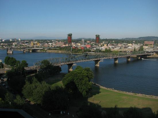 Portland Marriott Downtown Waterfront: Beautiful river view from the room