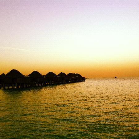 Constance Halaveli: Sunset @ Halaveli resort