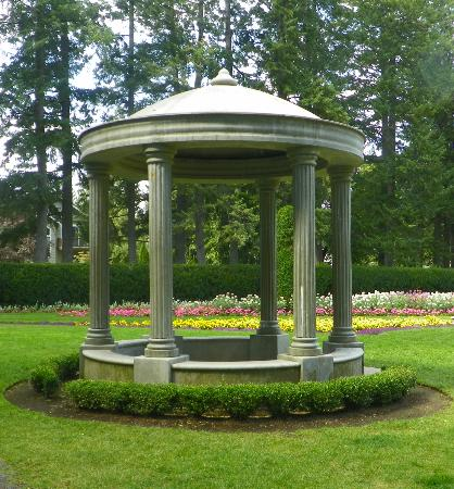 Manito Park: Centennial Gazebo in the Duncan Garden