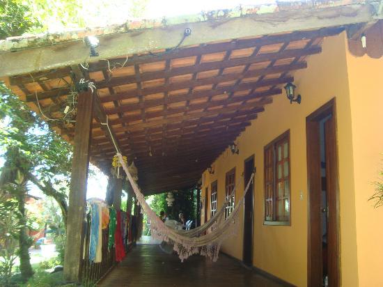 Holandes Hostel: Exterior de las habitaciones de 6