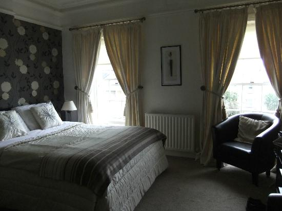 Carlingford House: Tastefully decorated room