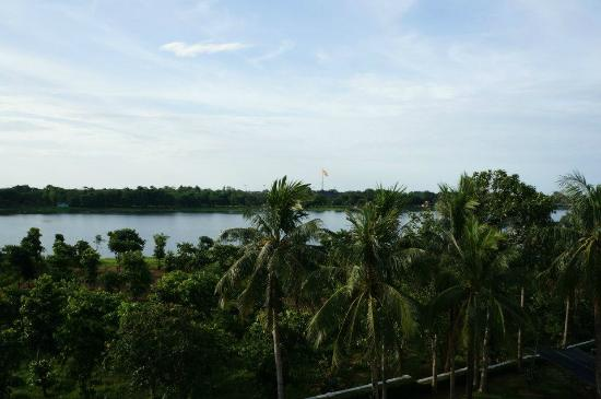 La Residence Hue Hotel & Spa - MGallery by Sofitel: Perfume river view from living room.