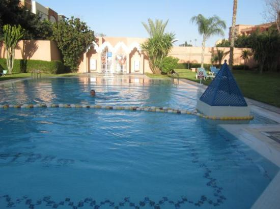 Ibis Marrakech Centre Gare: Hotel Pool