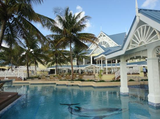 Magdalena Grand Beach & Golf Resort: Pool Area