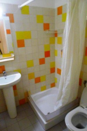 Next Hostel : bathroom