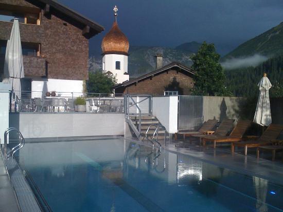 Gasthof & Hotel Rote Wand: Traum-Pool mit Aussicht