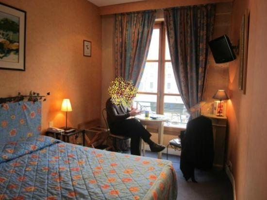 Les Rives De Notre Dame: Bedroom