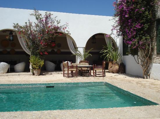 Les Jardins de Villa Maroc : l'espace piscine