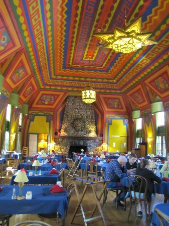 Naniboujou Lodge: Hand painted dining room ceiling