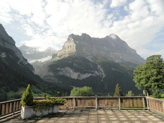 Alpenblick Hotel Pub & Restaurant: Aussicht vom Zimmer