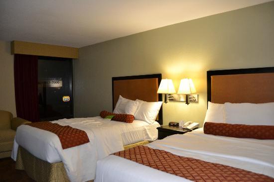 La Quinta Inn & Suites Memphis Airport Graceland: Härliga sängar