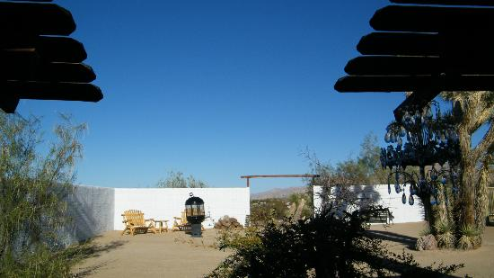 Joshua Tree Inn: from out back