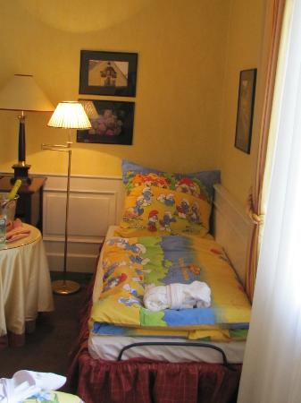 Le Palais Art Hotel Prague: extra bed for young daughter