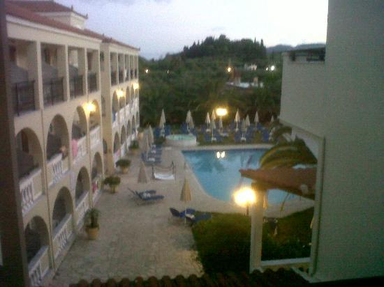 Pallas Hotel: pool view