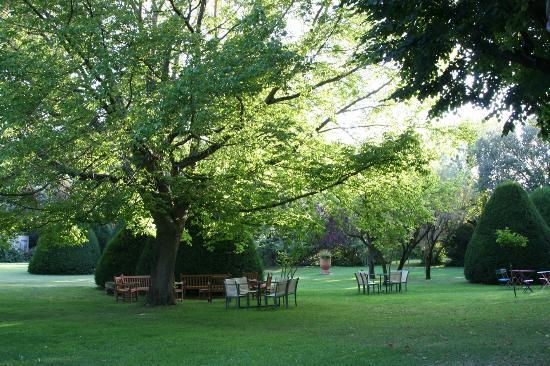 Manoir de la Roseraie: Le parc