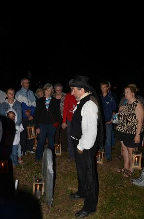 Annapolis Royal Candlelight Graveyard Tour: Although there was a large crowd, it was easy to hear and learn.