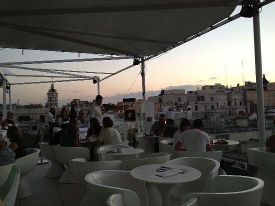 Room Mate Oscar: Roof top terrace - sunset